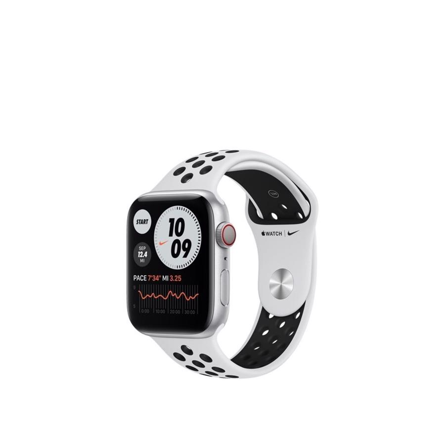 Apple Watch Nike Series 6 GPS & 4G 44mm Silver Aluminium Case med Pure Platinum/Black Nike Sport Band